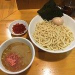 永太 - 料理写真:「つけ麺 中盛」800円+「辛味」100円、味玉(4周年記念 甘海老と渡り蟹のスペシャルスープ)
