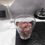 Grill de Kobe - 白グラスとアミューズ