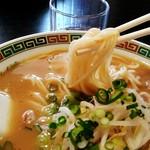中華そば 寿々女 - 細麺はもうちょっとカタメが好みだな