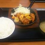からやま - 黒酢あんかけ定食(745円)