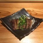 奄美居酒屋ごっぱち - ほほ肉 タタキのレアステーキ風