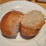 コーヒーショップ ダイニングカフェ カメリア - [料理] パン 切り口のアップ♪w ②