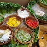 アオゾラオソラ 錦小路 - ビュッフェの生野菜