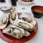 85233636 - 焼き牡蠣(¥600円)