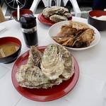 黒潮ダイニング パールロード店 - 焼き牡蠣(¥600円)