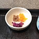 石焼&ワイン イワタ - お漬物