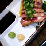 大衆肉割烹 肉じるしるし - 地鶏のたたき 780円