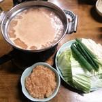 85246122 - 鶏ミンチ鍋 味噌