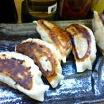Hisa - 餃子