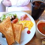 ターミナルカフェ - トーストセット(ミネストローネは私の注文)