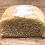 山梨パン工房 モンマーロ - お豆腐パン 断面