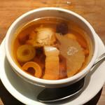 豊栄 - 薬膳スープ