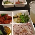 Mr.FARMER - 3種類のお惣菜プレート