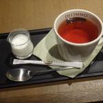 パティスリー&カフェ デリーモ - 紅茶アートオブティー