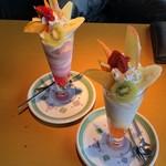 ギオン シグマ - フルーツパフェ、ヨーグルトパフェ 各@680