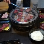 炭火焼肉 HACHI -