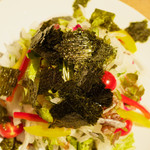 日日是 神戸 段 - 新玉ねぎと海苔のサラダ