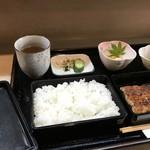 青柳 - うなぎ蒲焼定食です(2018.5.4)