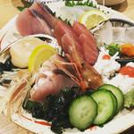 スタンドふじ - 魚盛り   新鮮でプリップリのお造り7種類  980円(@_@)