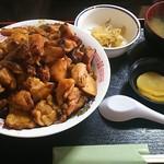 芳味亭 - 料理写真:炭火焼きチキン丼