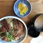 湯あがり食堂 - 蓼科豚の自家製ソースヒレカツ丼