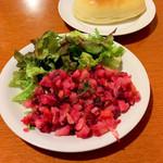 85289557 - ビーツのサラダ&ピロシキ