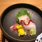 海峯魯 - ◆カンパチ・烏賊・イサキ(だと思うのですが)など。 烏賊が良い味わいでした。