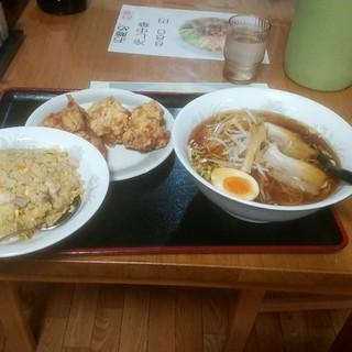 台湾料理 美味館 - 料理写真:炒飯定食 1380円