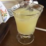 石臼挽き蕎麦香房 山の実 - 信州りんごジュース飲んだ。
