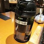 たかせ - ポットは、お茶でゎなく「そばつゆ」