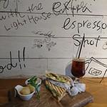 ライトハウス コーヒー アンド ビアー -
