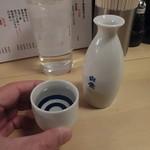 85309112 - 日本酒一合(白鷹)すっと出てきたチェイサーが嬉しい