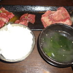 8531531 - わかめスープ、お肉(タン塩、カルビ、ロース)