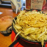 神戸ちぇりー亭 - 野菜が多すぎて麺にたどり着かないので天地返し!