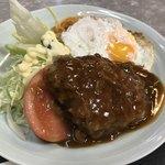 淀ヤ食堂 - 料理写真:ハンバーグのアップ