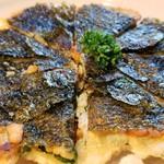 焼肉 充 - ⑧海苔チヂミ       1人2枚程ですが、争うように食べます。