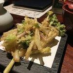 ごん - 北海道の味、浜防風のかき揚げ(600円)