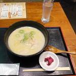 水炊き・焼鳥 とりいちず - 鶏パイタン麺モーニング600円