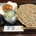 そば処 今宵 - 野菜かき揚げ冷やそば950円也。