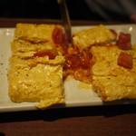 完全個室・夜景一望・美食×肉プレート 七色 - イタリアン出し巻き玉子~とろ~りチーズ&トマト入り~