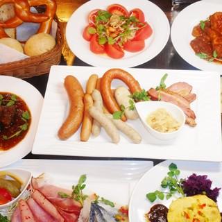 ◆◆当店人気のドイツ料理がほぼ食べられる、お得なコース◆◆