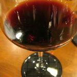 グリルド パブ ブーティーズ - ●赤ワイン(ランチ32) このあとひたすらこの赤ワインを飲む。