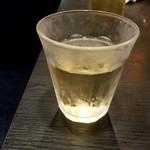 KONDO薬膳しゃぶしゃぶ 小尾羊 - グラスワイン白