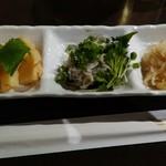 魚と天ぷら 日本酒 まる天 - おばんざい3種