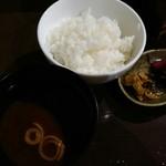 魚と天ぷら 日本酒 まる天 - ただの白飯!! 天茶又はおすすめあられ丼は?