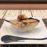 鮨 うえ岡 - 料理写真:蛤(握り)