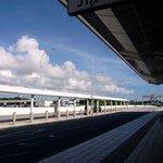 サクララウンジ - 空が、雲が、夏~って、感じですよね。 空気が違う、暑さが違う。 沖縄最高ですよね。