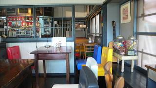 cafe RIN - レトロモダンな店内