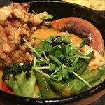 イエロー - 鶏ささみのクリスピーカリー野菜増し5番