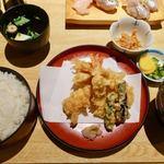 うおがし - 料理写真:天婦羅定食 1700円 + ご飯大盛 100円